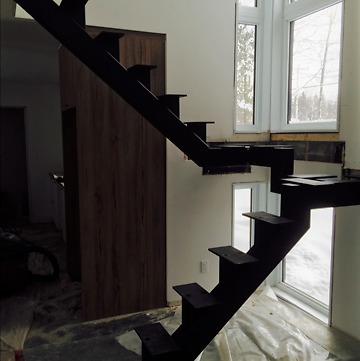 Fabricant d'escaliers, rampes, balcons, produits d'acier