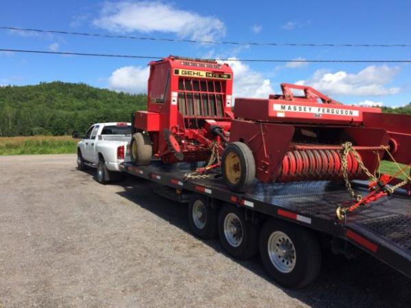 Transport tracteur , machinerie , véhicule agricole