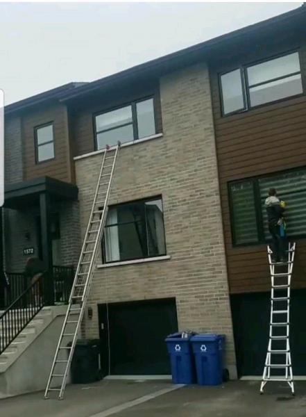 Lavage de vitres, gouttières et revêtements