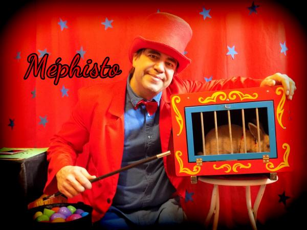 Animation party à Joliette Méphisto le Magicien dans Lanaudière