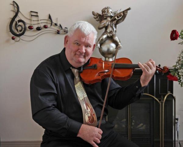 Cours de violon à Trois-Rivières Y PENSEZ C'EST PAS ASSEZ !!!  À jouer du VIOLON !!!